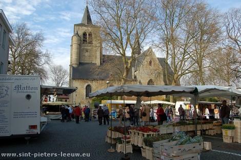 2008-03-14_sint-pieters-leeuw_wekelijkse-markt_2.jpg