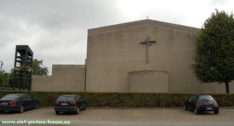 Sint-Lutgardiskerk, A. Quintusstraat 23, Zuun (Sint-Pieters-Leeuw).
