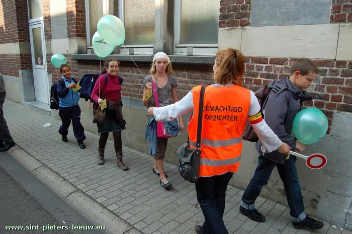 Dsm Keukens St Pieters Leeuw : Gezocht gemachtigde opzichters voetgangersoversteekplaats
