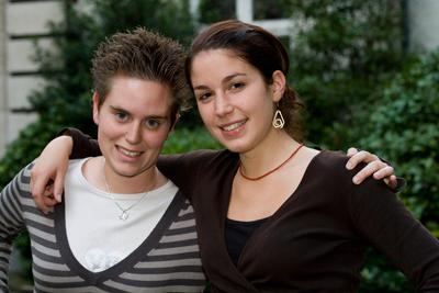 Cynthia Taelemans uit Sint Pieters Leeuw en Catherine Tonero uit Blaton