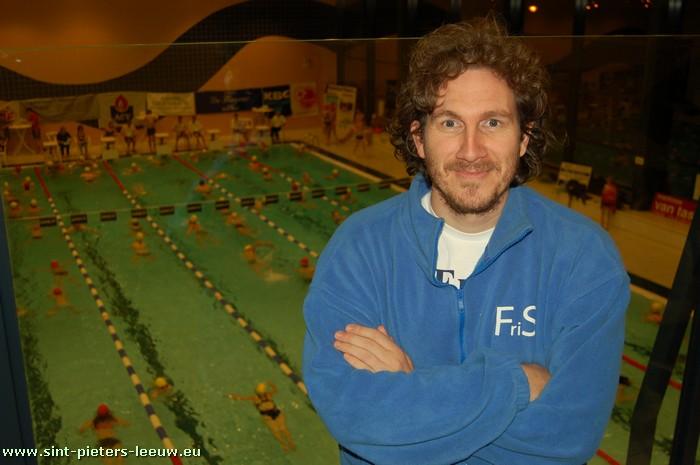 2008-11-21-sint-pieters-leeuw_zwemmarathon_tvv_fris_2_marc-peeters