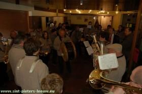 2008-12-18-fanfare-1
