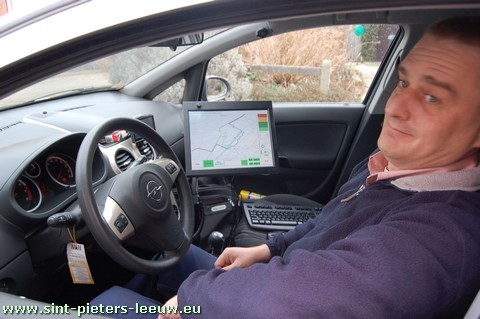 2009-03-03-camerawagen-cyclomedia_in_sint-pieters-leeuw_4