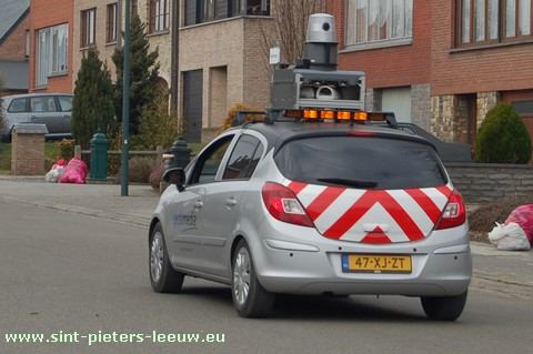 2009-03-03-camerawagen-cyclomedia_in_sint-pieters-leeuw_5
