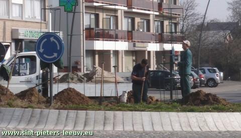 2009-03-19-afwerking-rotonde-vlezebeek_2