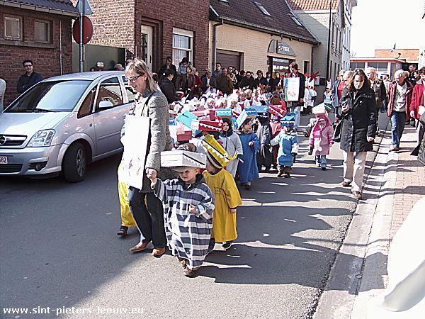 2009-03-19-kindercarnaval_sint-pieters-leeuw_2
