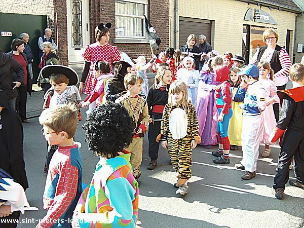 2009-03-19-kindercarnaval_sint-pieters-leeuw_8