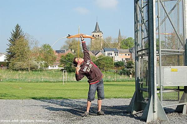 2009-04-19-handboog-initiatie_2-bart