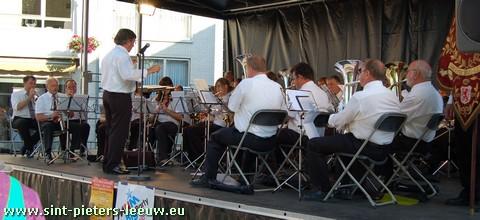 2009-06-13-2de-Leeuw-Rinkt_SINT-PIETERS-LEEUW-6-fanfare-sint-cecilia