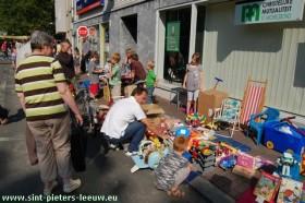 2009-06-13-2de-Leeuw-Rinkt_SINT-PIETERS-LEEUW-9-kinderstraat-rommelmarkt-2