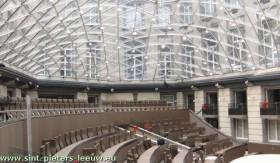 Vlaams-Parlement-zijzicht-halfrond