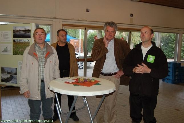 Gedeputeerde voor Leefmilieu Jean-Pol Olbrechts, Schepen voor Natuurreservaten Luc Van Ruysevelt, Algemeen directeur Natuurpunt Willy Ibens  en Conservator Zuunvallei Geert Cromphout