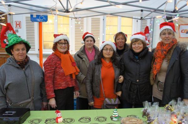 2012-12-23-vrouwenmaatschappij-kerstmarkt