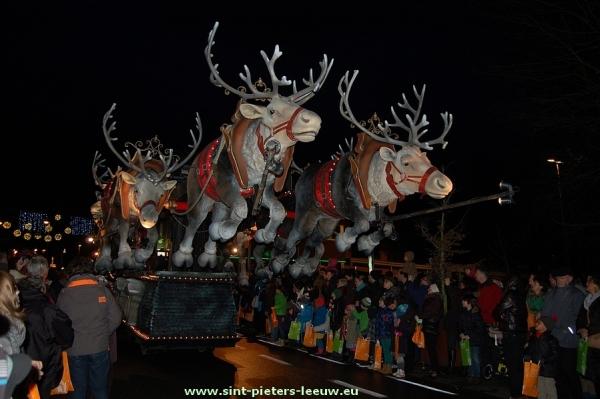 2012-12-26-kerstparade-Halle (16)