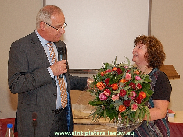 2012-01-02-Lieve-Vanlinthout_wordt-voorgedragen-ere-burgemeester