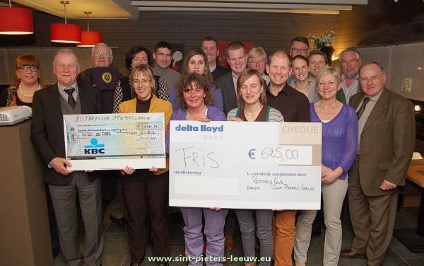 2013-03-28-rotaryclub_cheques