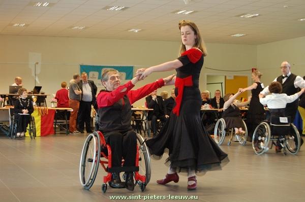 2013-04-20-BK-rolstoeldansen Sint-Pieters-Leeuw