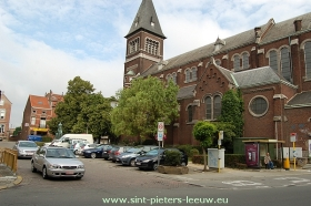 kerkplein-kerk-Ruisbroek