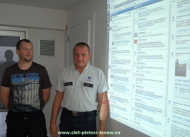 2013-09-09-twitter-en-facebook_spreekuur_politie_sint-pieters-leeuw