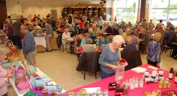 2013-10-17-streekproductenmarkt_dienstencentrum_01