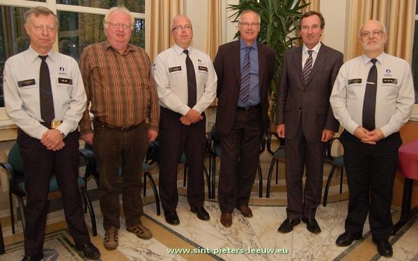 2013-11-12-fusie-politiezones_Halle_Sint-Pieters-Leeuw_Beersel