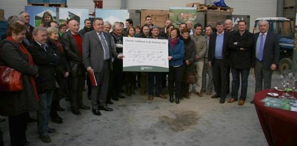 2013-12-09-charter-landbouw-vlaamse-rand-groepsfoto