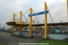 2013-12-14-Station-Ruisbroek_trein_NMBS_spoor_02