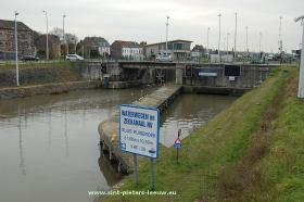 2013-12-17-sluis-Ruisbroek_kanaal_Brussel-Charlerloi