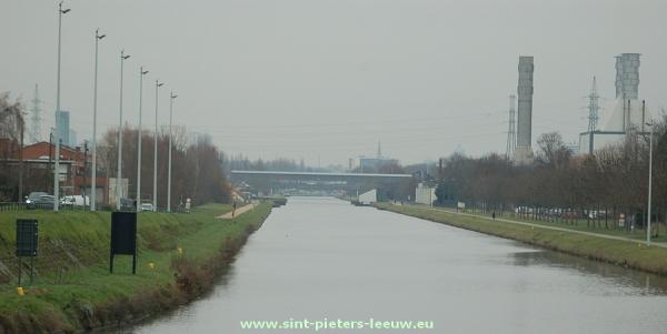 2013-12-17-watergebonden-transport_Ruisbroek_kanaal_Brussele-Charlerloi