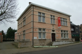 2014-02-20-bibliotheek_Zuun_Sint-Pieters-Leeuw