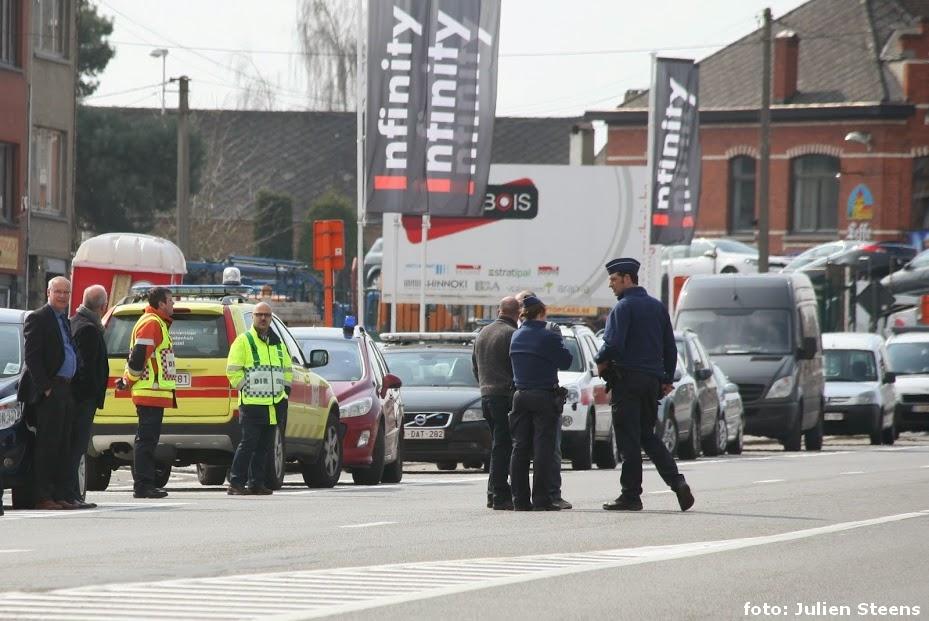 Bergensesteenweg afgesloten door bommelding Sint Pieters
