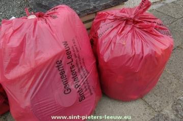 Rode Huisvuilzakken Sint-Pieters-Leeuw
