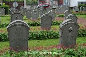 oorlogsgraven_Sint-Pieters-Leeuw