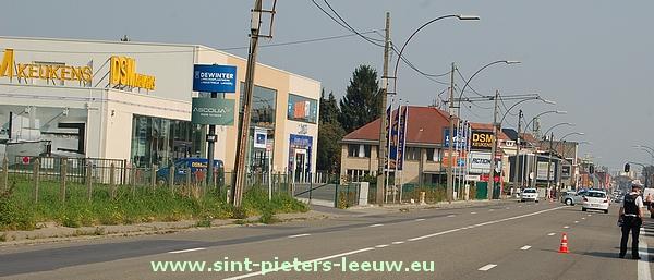 Bergensesteenweg afgesloten voor bommelding Sint Pieters