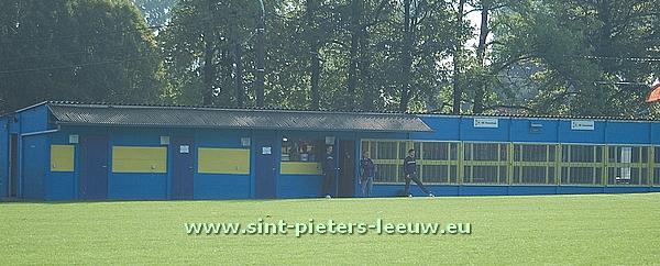 2014-08-23-kantine-kleedkamers_SK-Vlezenbeek