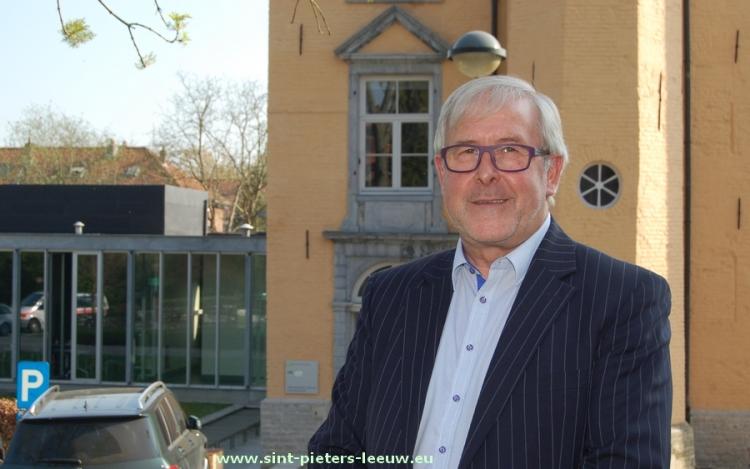2015-04-24-Paul-Defranc_OCMW_voorzitter_Sint-Pieters-Leeuw_01