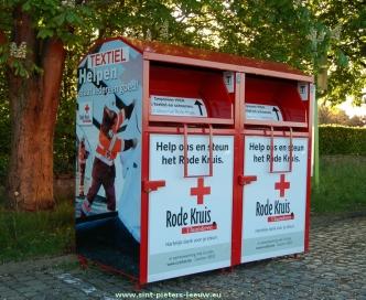 2015-05-05-kledingcontainer_Curitas_Rode-Kruis_Vlezenbeek_01