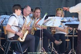 2015-05-24-feest-op-het-plein_Vlezenbeek (09)