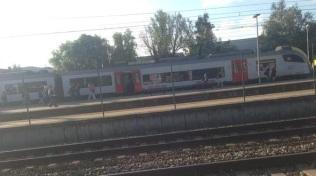 2015-09-10-wagon-naast-sporen