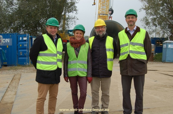 Gunther Coppens, milieuschepen Sint-Pieters-Leeuw - Veerle Leroy, milieuschepen Beersel - Dirk Vansintjan, Ecopower - Stefaan Verhamme, Colruyt Group WE-Power