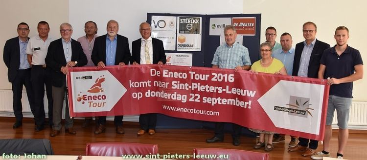 2016-09-05-persconferentie_Enecotour_aankomst_Sint-Pieters-Leeuw_01