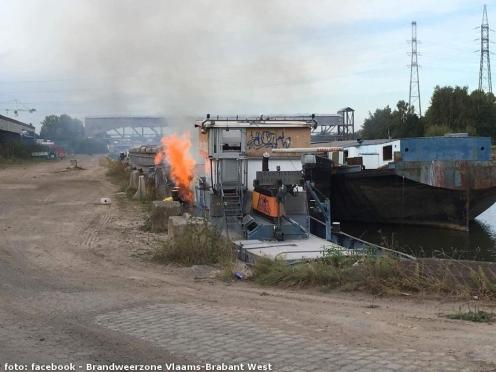 2016-09-27-brand-schip-2-foto-brandweer
