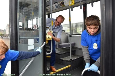 2016-10-27-scholen-poetsen-bussen-35