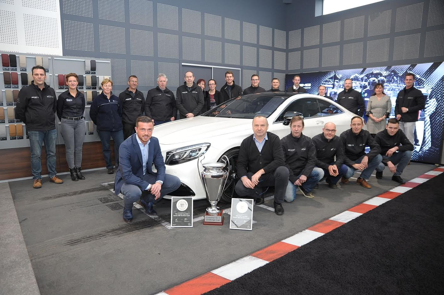 Garage eurostar 2000 uitgeroepen tot beste mercedes benz for Garage mercedes bron