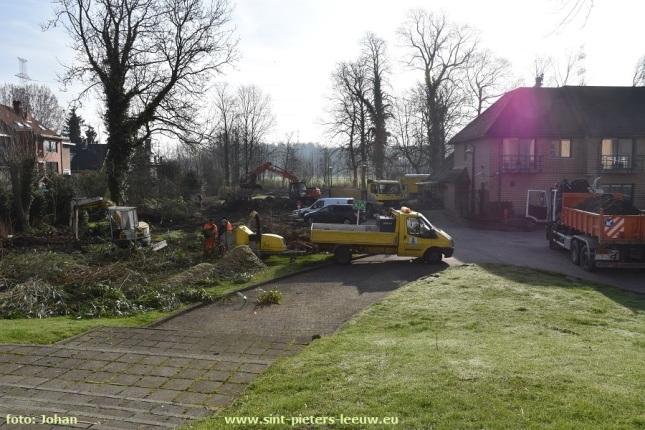 2017-03-14-werken-extra-parking-OCMW_Ruisbroek_01