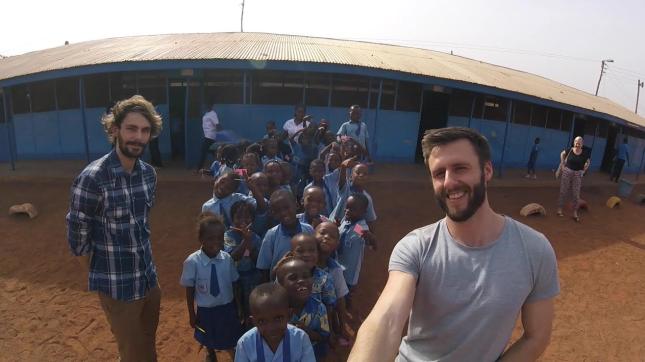 2017-03-20-les-aan-Ghanese-kinderen_02