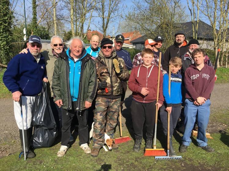 2017-03-25-vissersclub-ruimt-zwerfvuil_01