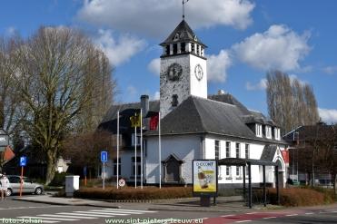 2017-03-22-oud-gemeentehuis-Vlezenbeek_02