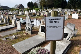 2017-04-08-kerkhof_Vlezenbeek_deel-park1