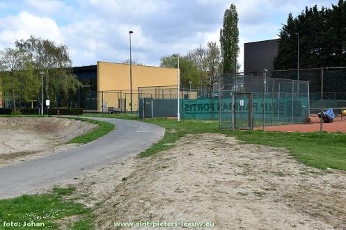 2017-04-10-tennisbanen-sporthal-Wildersport (3)